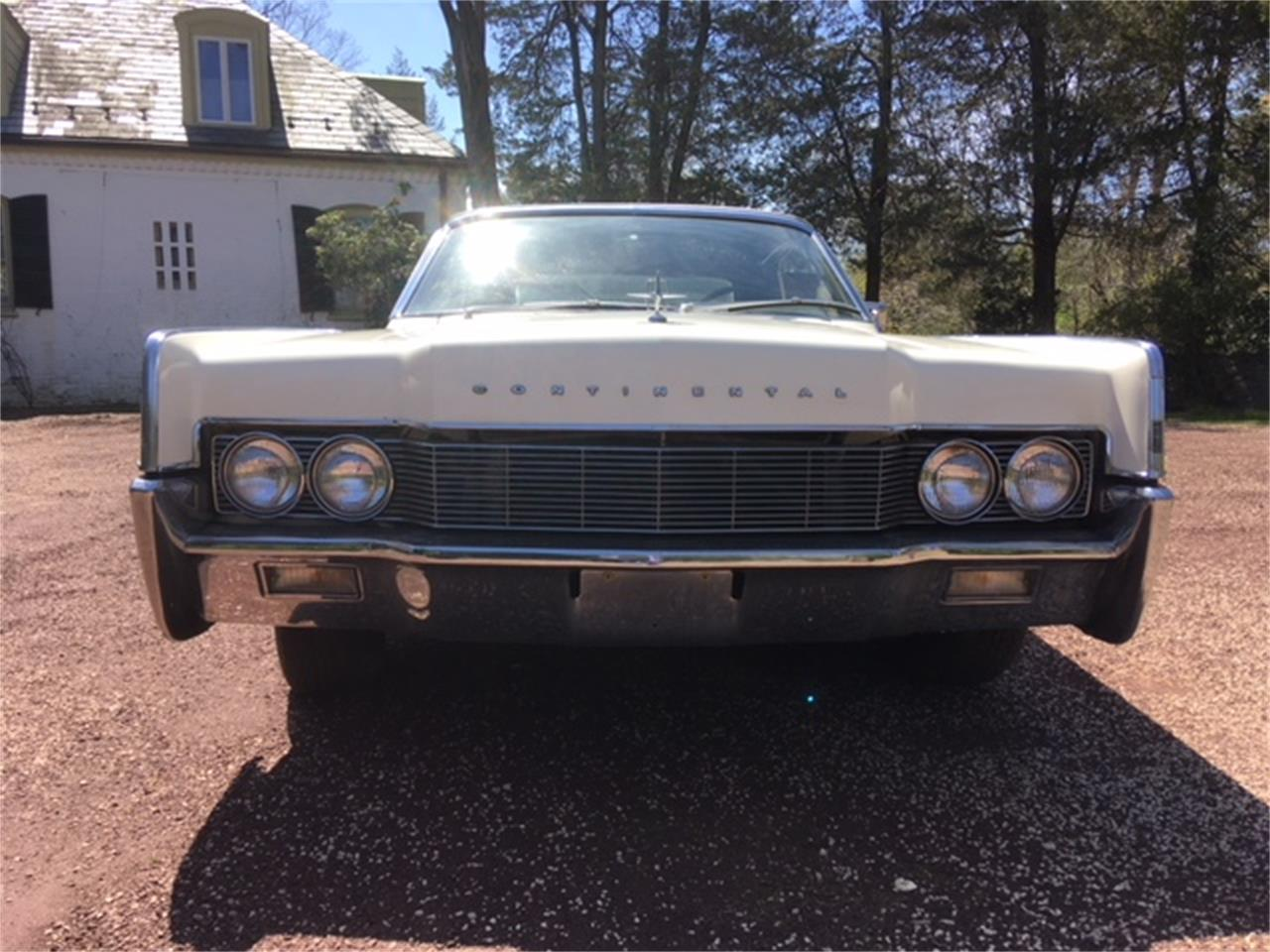 Large Picture of 1967 Lincoln Continental located in Philadelphia Pennsylvania - $29,500.00 Offered by a Private Seller - OTOG