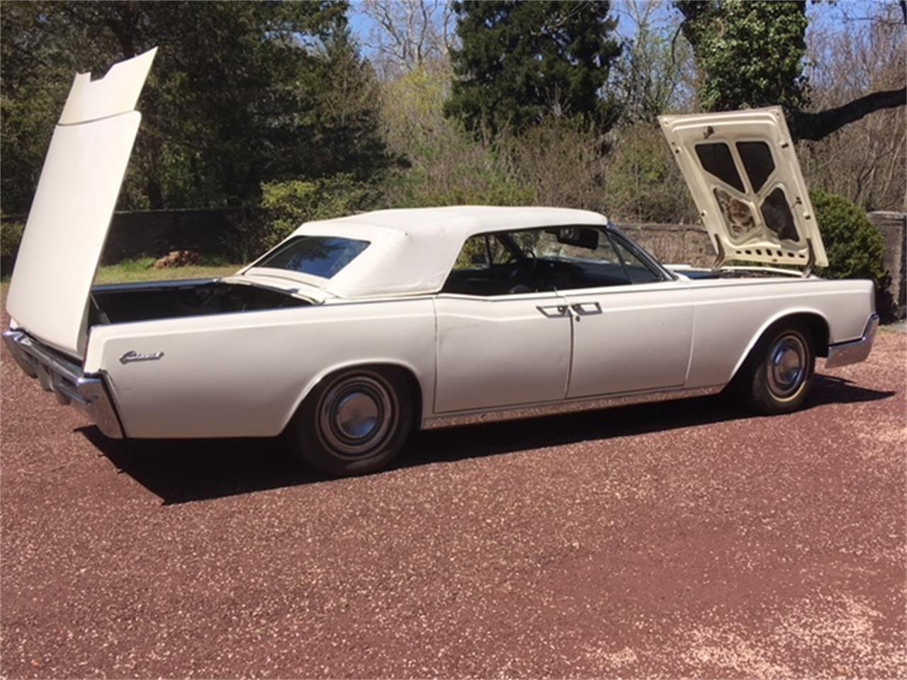 Large Picture of '67 Lincoln Continental - OTOG