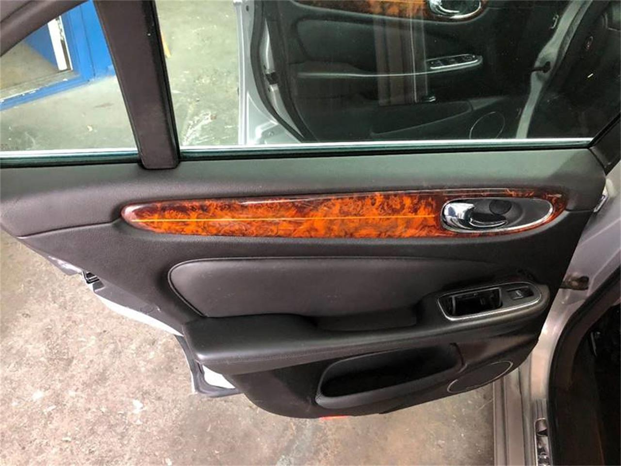 Large Picture of 2004 Jaguar XJ located in Fort Lauderdale Florida - ONZW