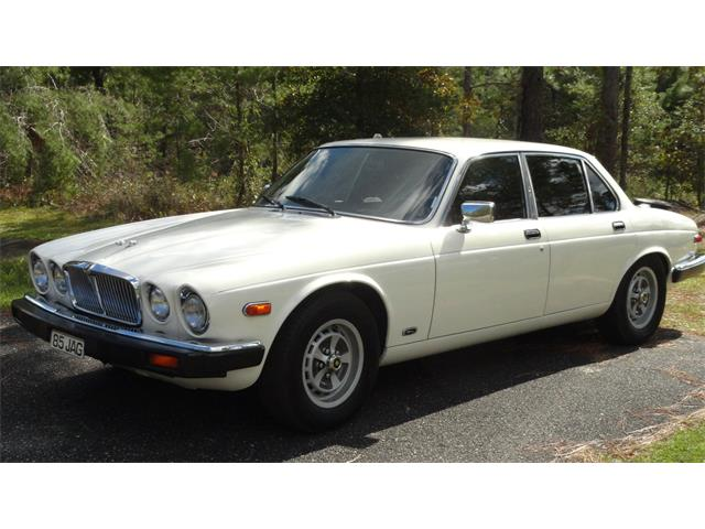 Picture of '85 Jaguar XJ6 Offered by a Private Seller - OU1F