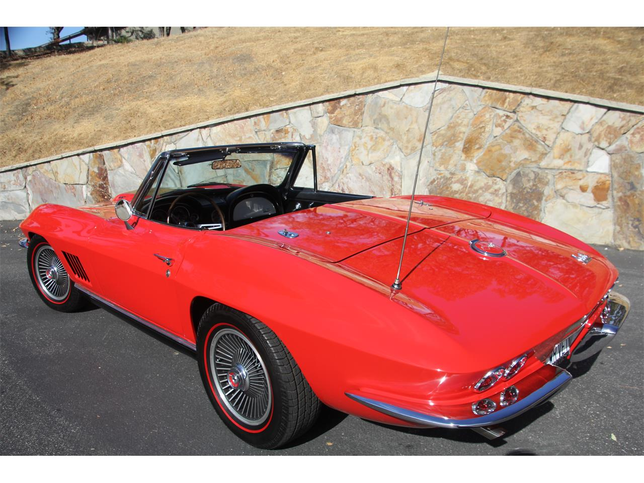Large Picture of '67 Corvette - OU5D
