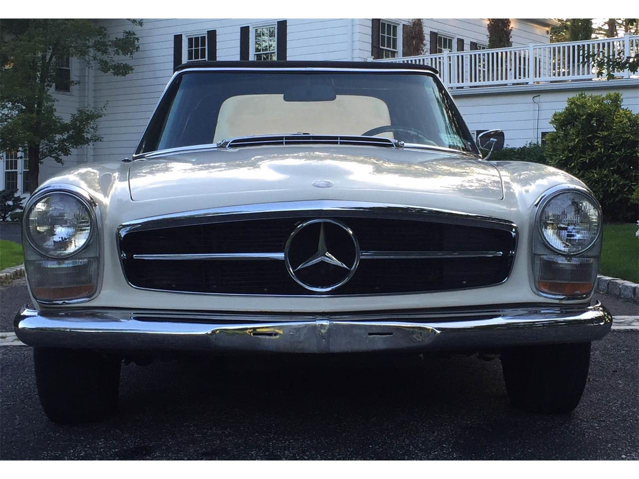 Large Picture of Classic 1966 Mercedes-Benz 230SL - $55,000.00 - OUD1