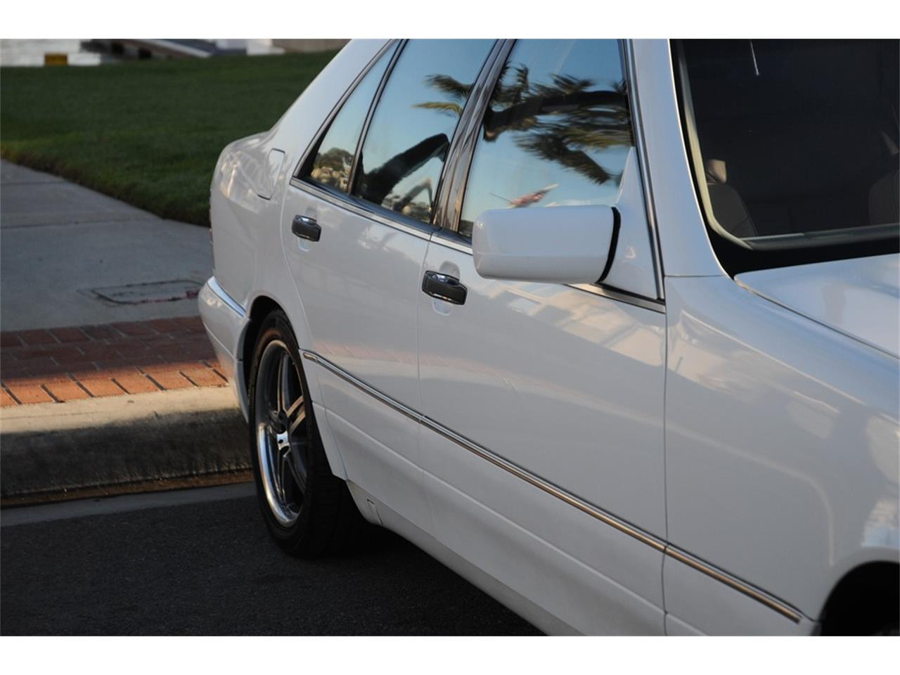 Large Picture of '99 Mercedes-Benz S320 - $3,990.00 - OUD9