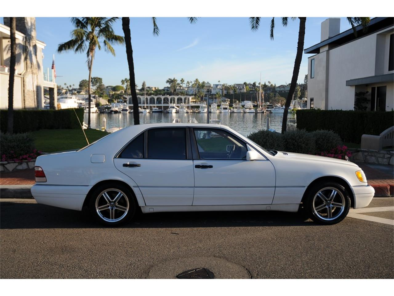 Large Picture of '99 Mercedes-Benz S320 - OUD9