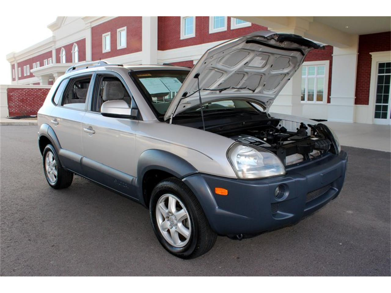 Large Picture of '05 Tucson - OURB