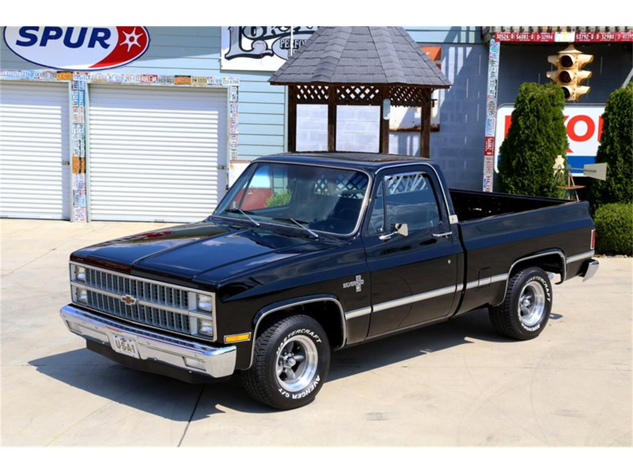 Large Picture of '81 C10 located in Lenoir City Tennessee Offered by Smoky Mountain Traders - OO35
