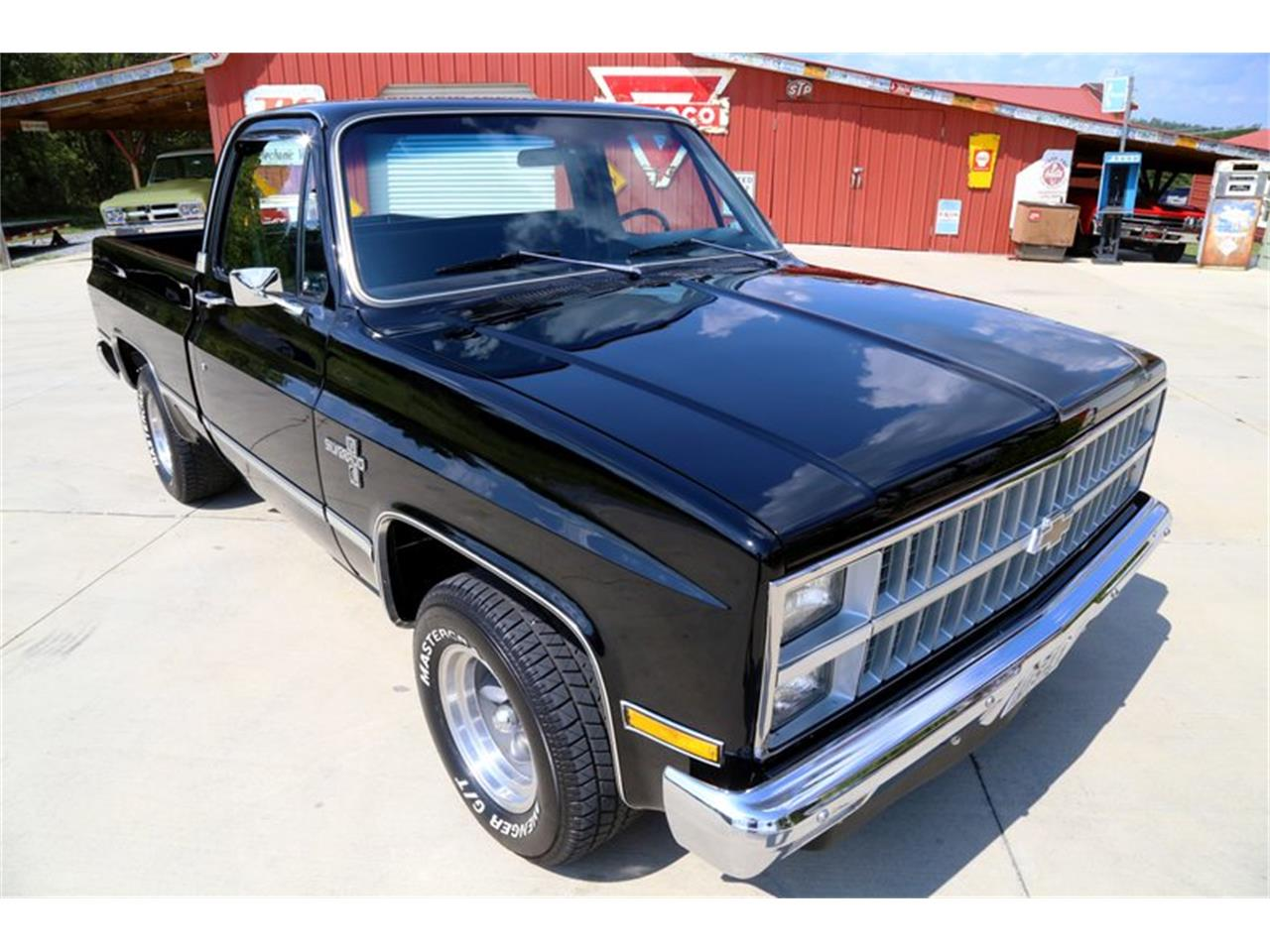 Large Picture of '81 Chevrolet C10 Offered by Smoky Mountain Traders - OO35