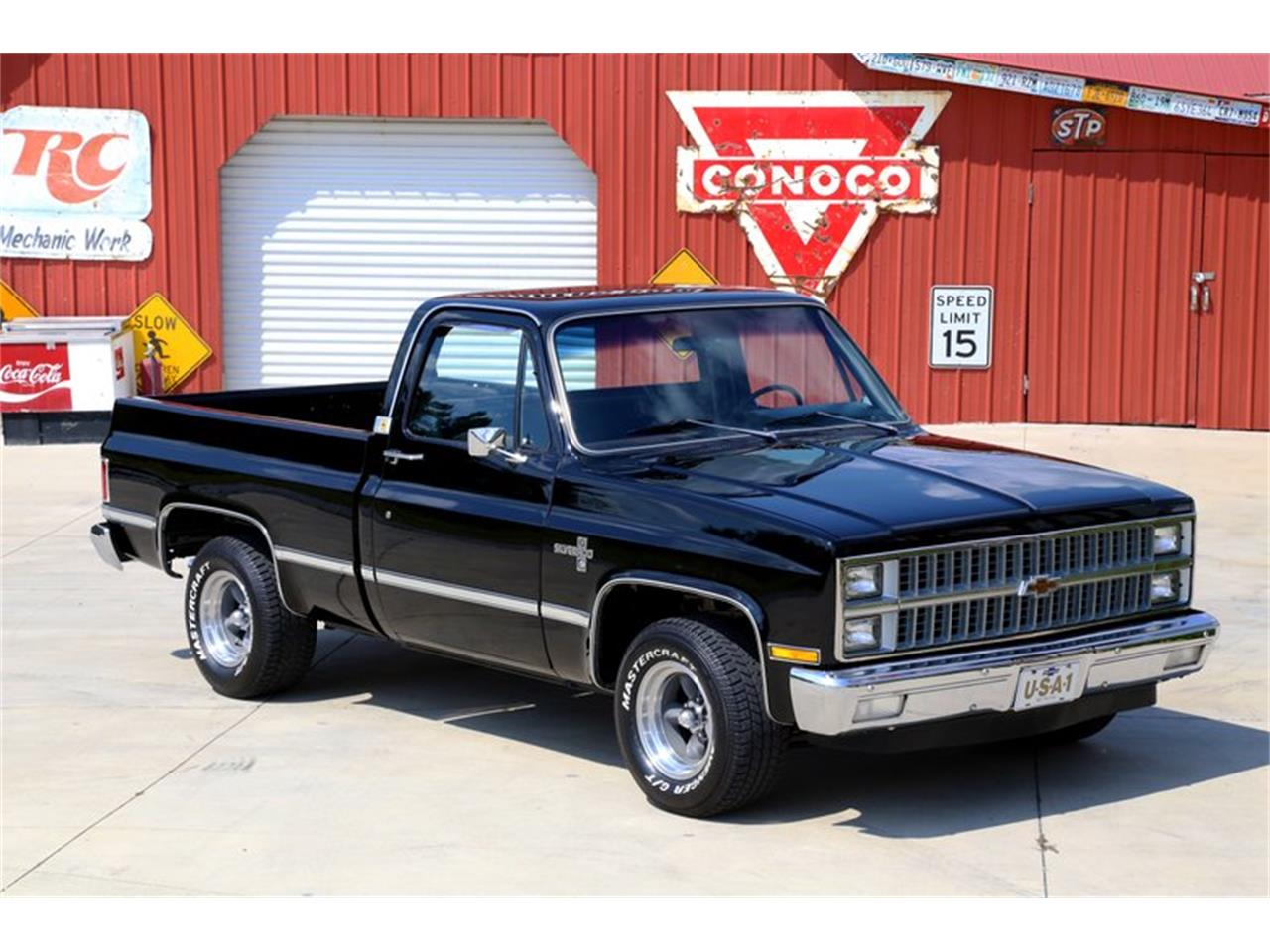 Large Picture of '81 C10 located in Tennessee - OO35