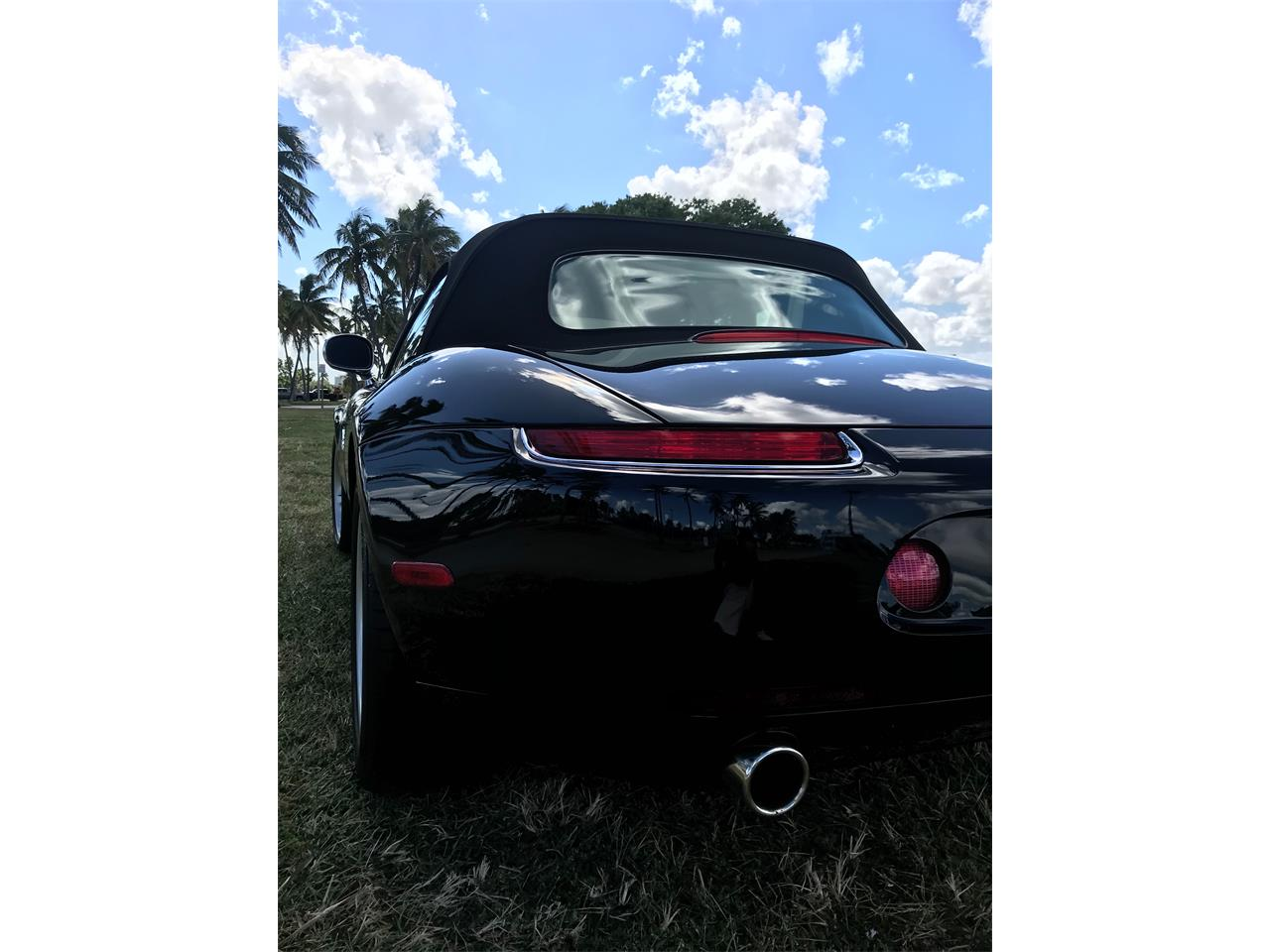 Large Picture of '01 BMW Z8 located in Aventura  Florida - OV1C