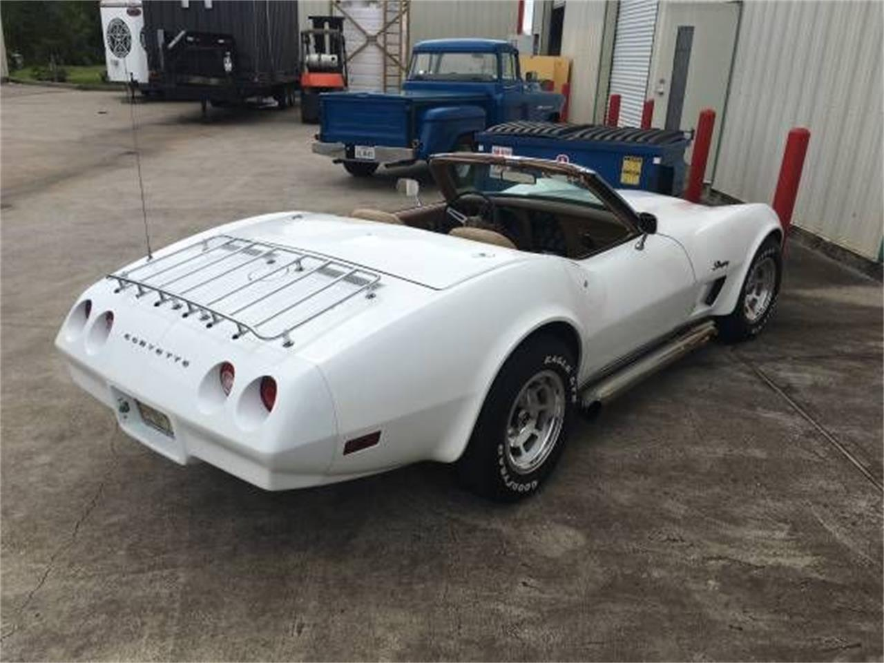 Large Picture of '74 Corvette - OVXW