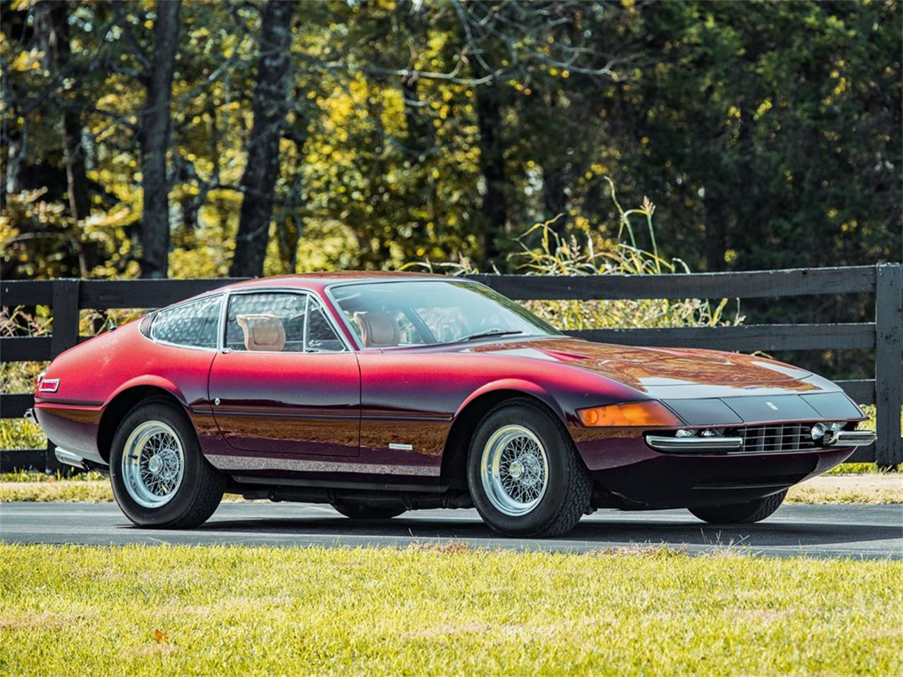 Large Picture of '72 365 GTB/4 Daytona Berlinetta Auction Vehicle Offered by RM Sotheby's - OW0C