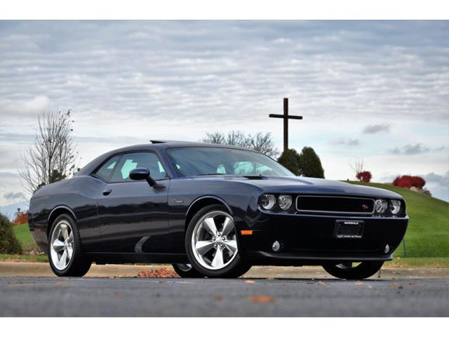 Picture of 2014 Dodge Challenger located in Plainfield Illinois - $28,900.00 Offered by  - OW0T