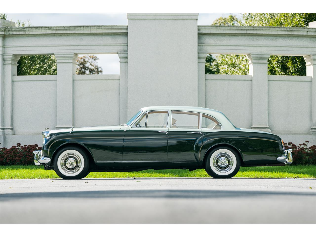 Large Picture of Classic 1961 Bentley Continental located in Philadelphia  Pennsylvania - OV60