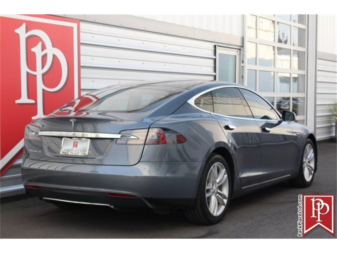 Large Picture of 2014 Model S located in Bellevue Washington - OW52