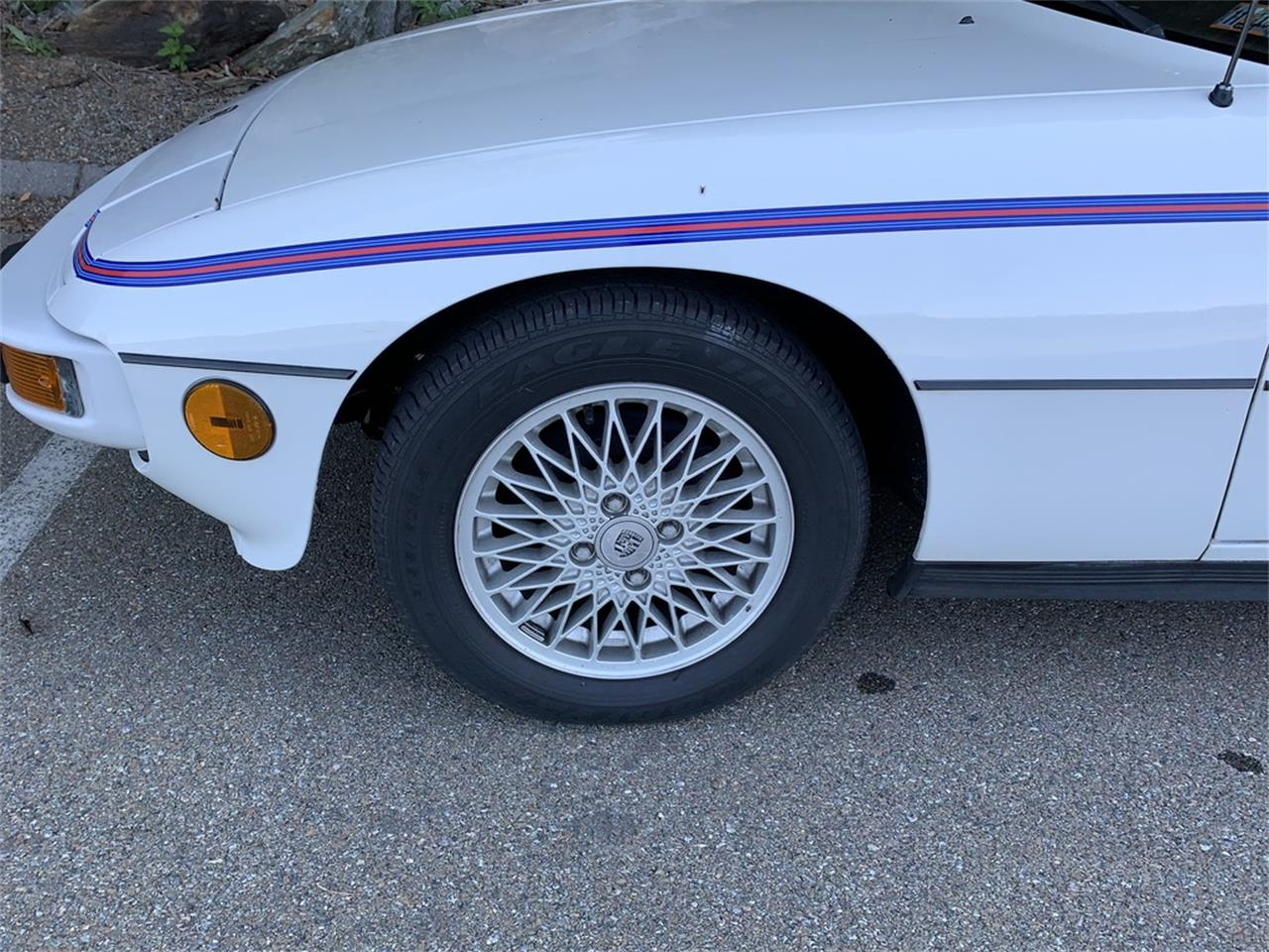 Large Picture of '80 Porsche 924 located in Pennsylvania - OWYP