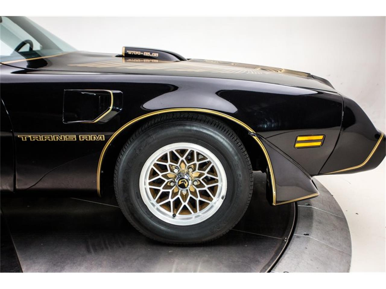 Large Picture of '81 Firebird Trans Am - OV9G