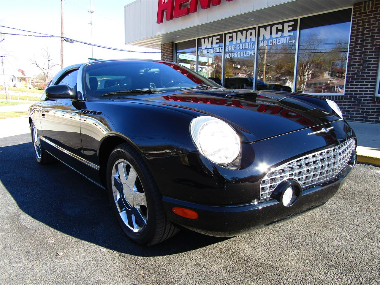 Large Picture of 2002 Ford Thunderbird Offered by Henry-Hobsheidt Motors - OXTR