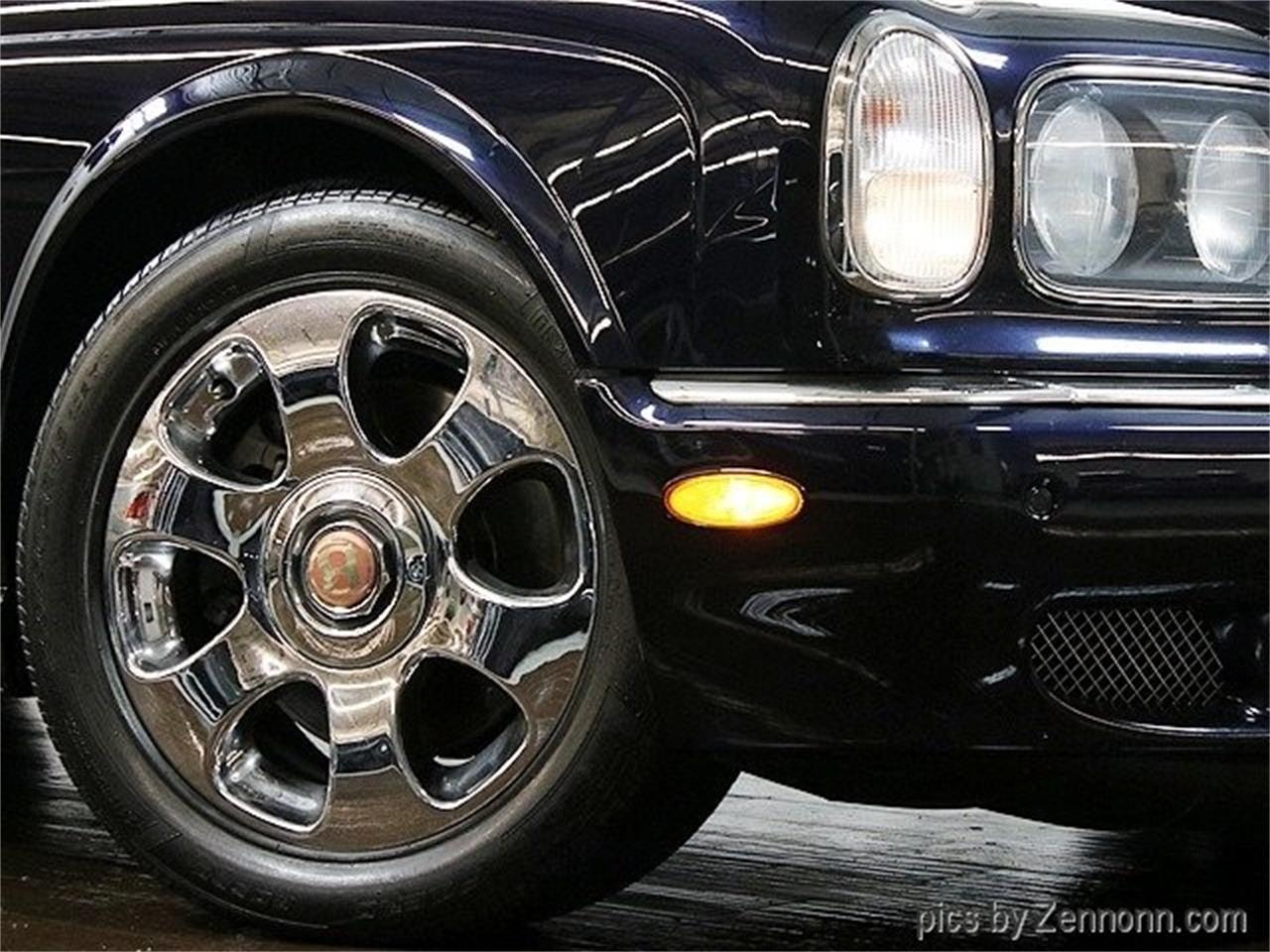 Large Picture of '04 Arnage located in Addison Illinois - OY0M