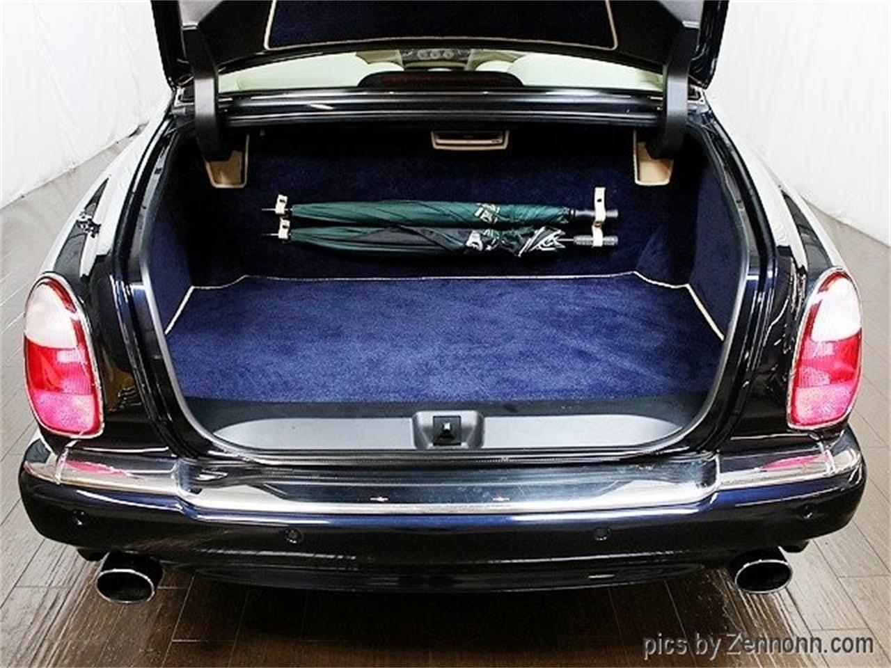 Large Picture of '04 Bentley Arnage located in Addison Illinois - OY0M