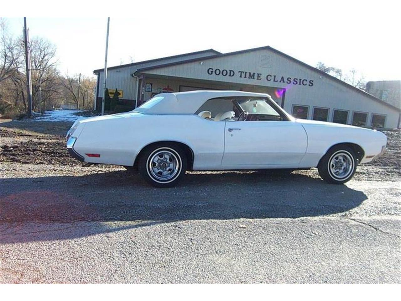 Large Picture of Classic 1970 Oldsmobile Cutlass Supreme located in West Line Missouri - $19,900.00 - OY7X