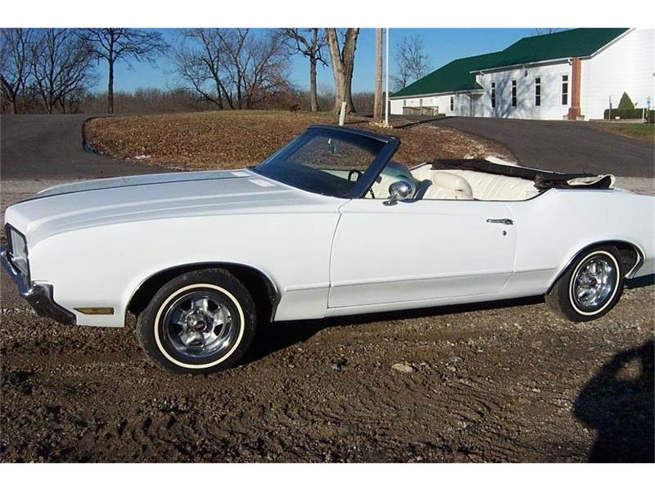 Large Picture of Classic 1970 Oldsmobile Cutlass Supreme located in Missouri Offered by Good Time Classics - OY7X