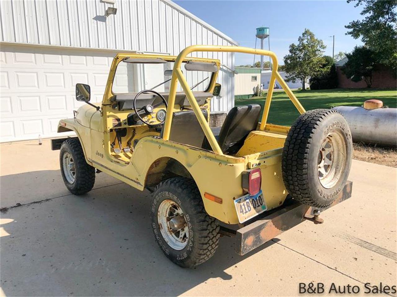Large Picture of '76 Jeep CJ5 located in South Dakota Offered by B & B Auto Sales - OY88