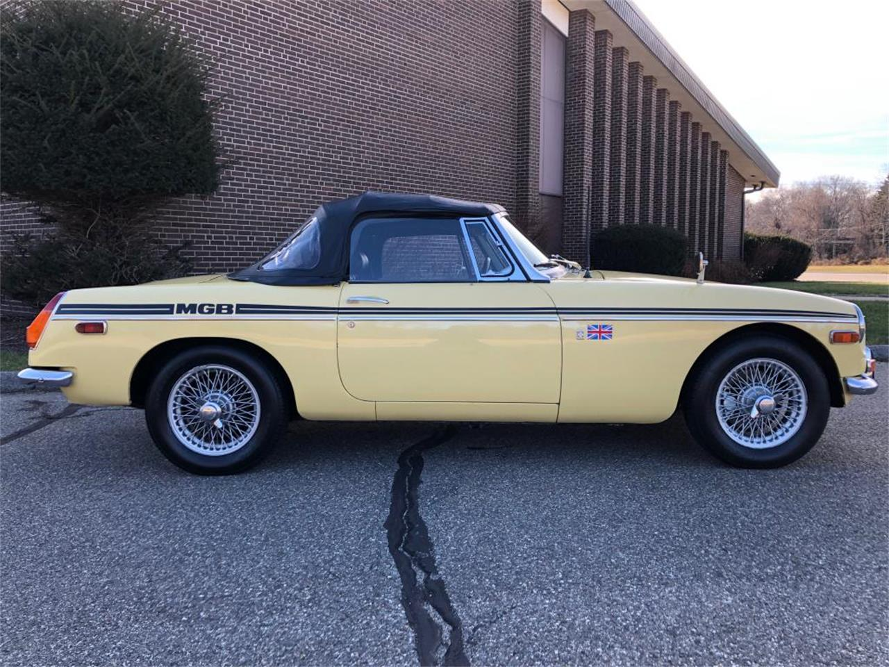 Large Picture of 1970 MG MGB - $18,000.00 Offered by Napoli Classics - OYAV