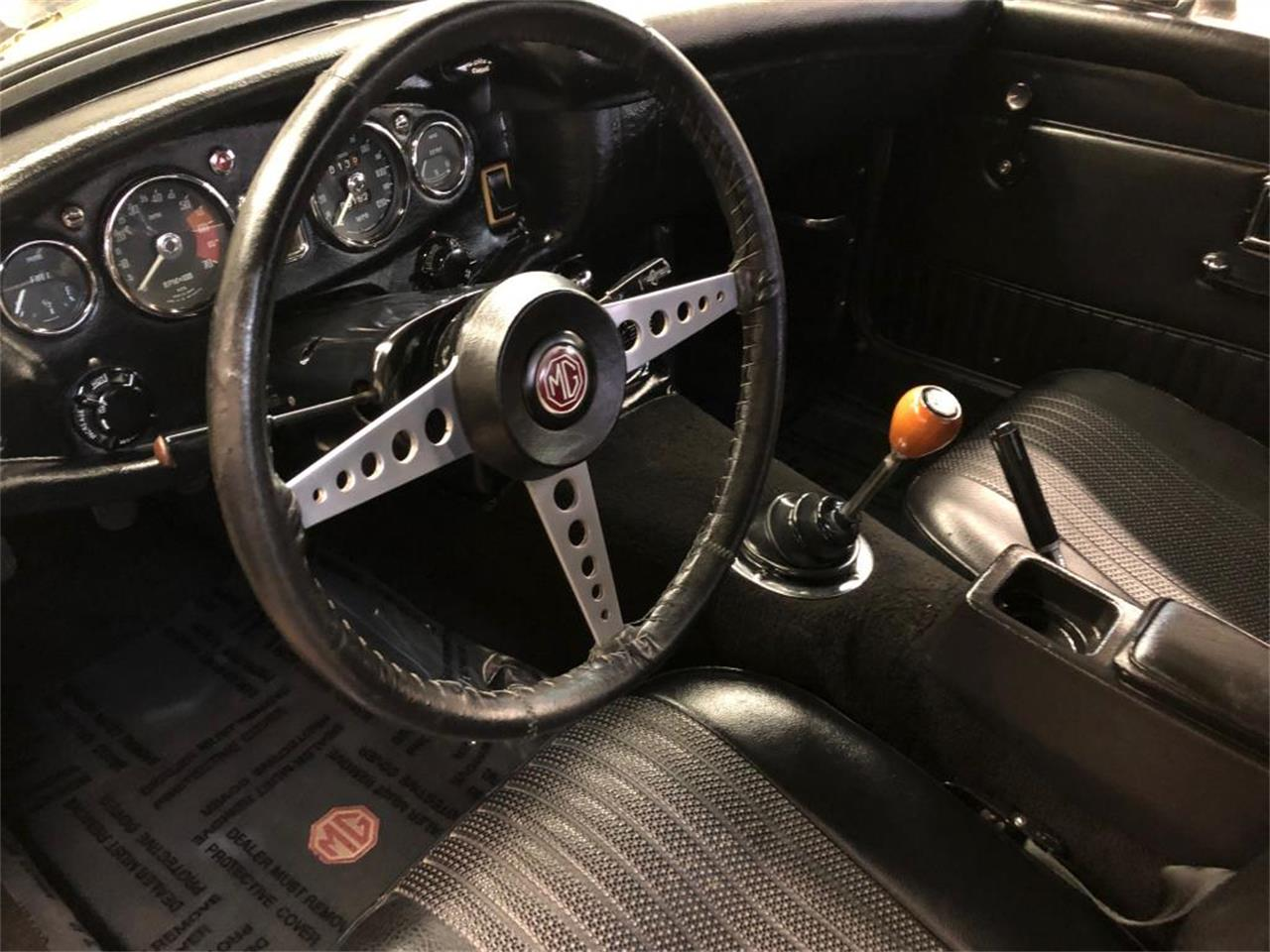 Large Picture of '70 MGB located in Connecticut - $18,000.00 - OYAV
