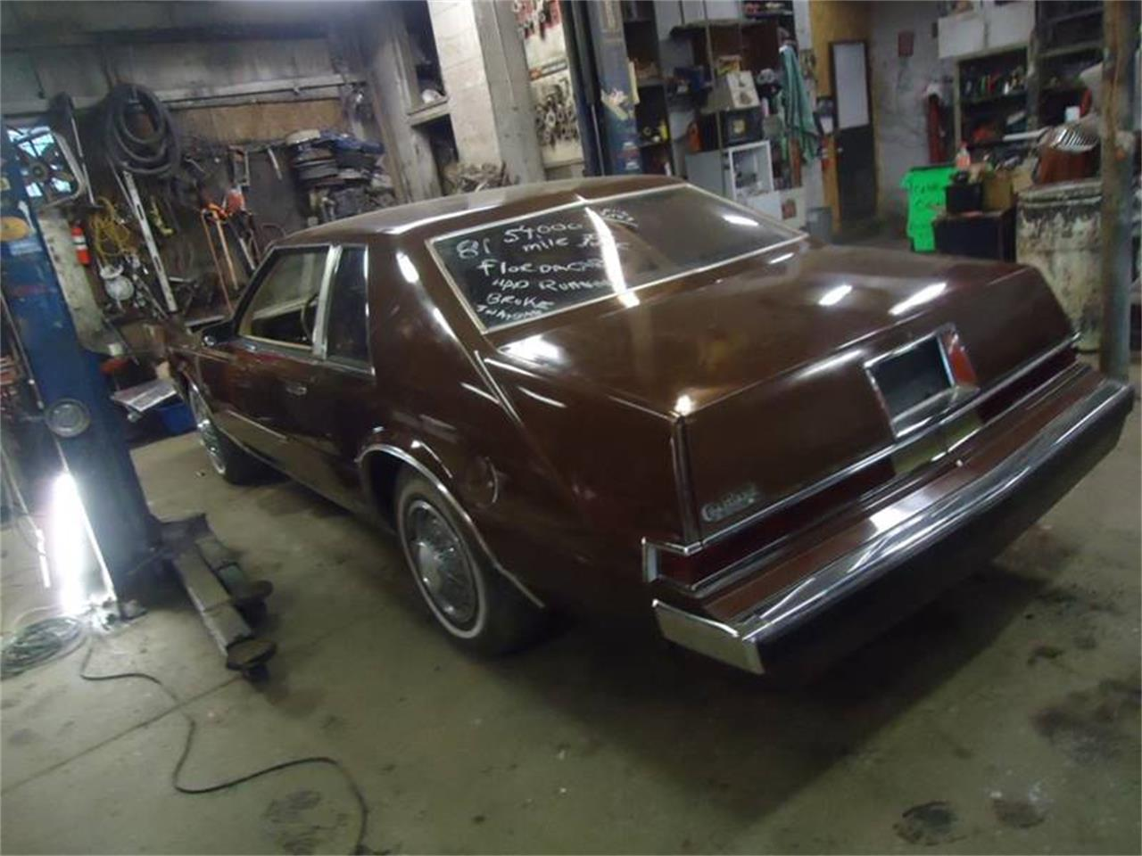 Large Picture of 1981 Chrysler Imperial located in Jackson Michigan - OYV4
