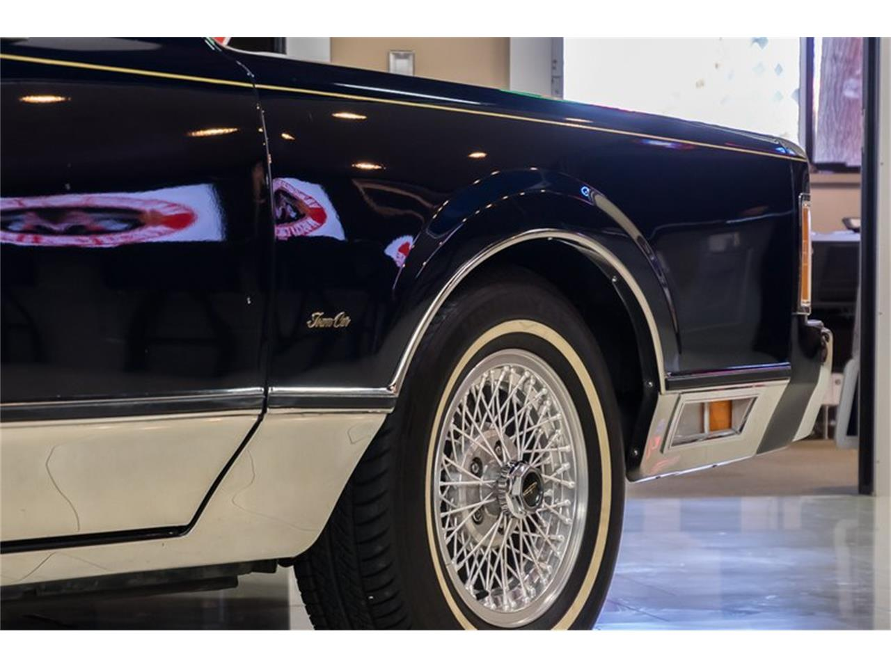 Large Picture of 1989 Lincoln Town Car Offered by Vanguard Motor Sales - OYYG