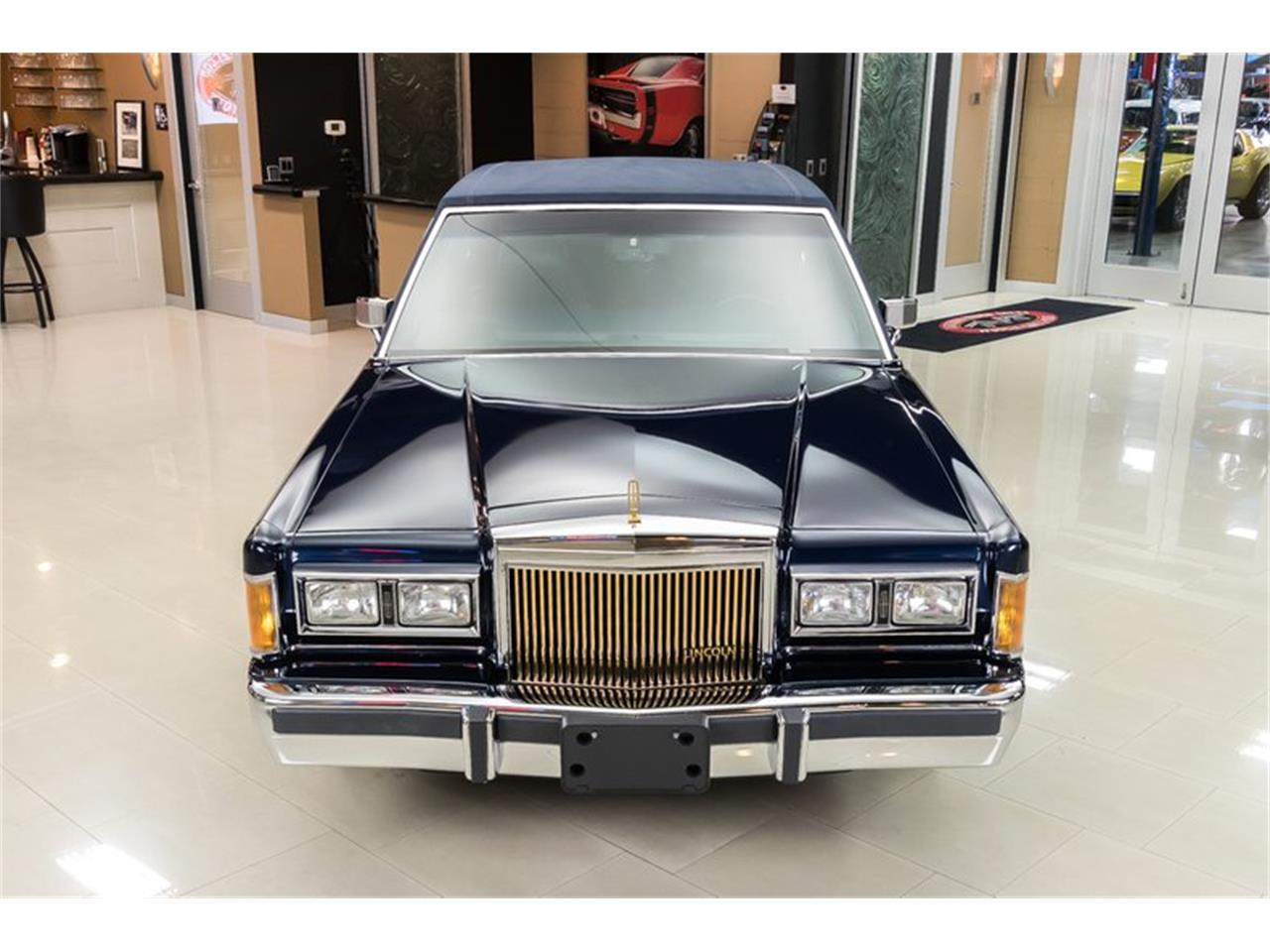 Large Picture of '89 Lincoln Town Car - OYYG
