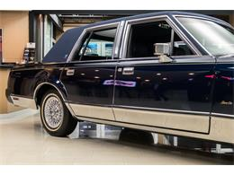 Picture of 1989 Lincoln Town Car located in Michigan - OYYG