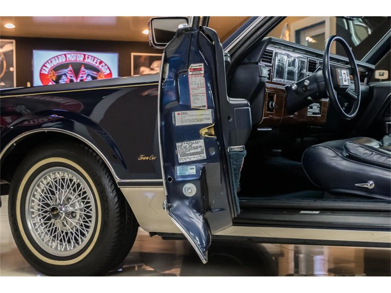 Large Picture of '89 Lincoln Town Car located in Plymouth Michigan Offered by Vanguard Motor Sales - OYYG