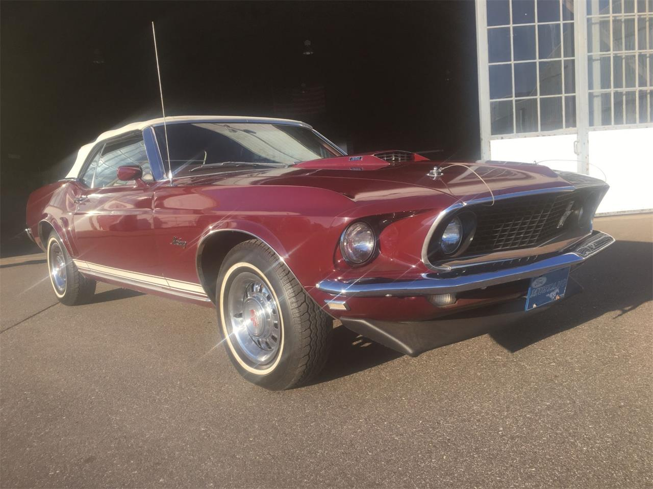 Large Picture of '69 Mustang GT - OZE6