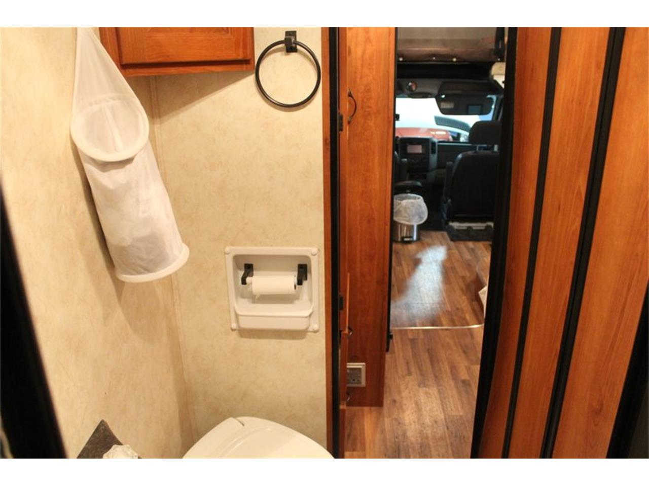 Large Picture of '11 Recreational Vehicle - OZZJ