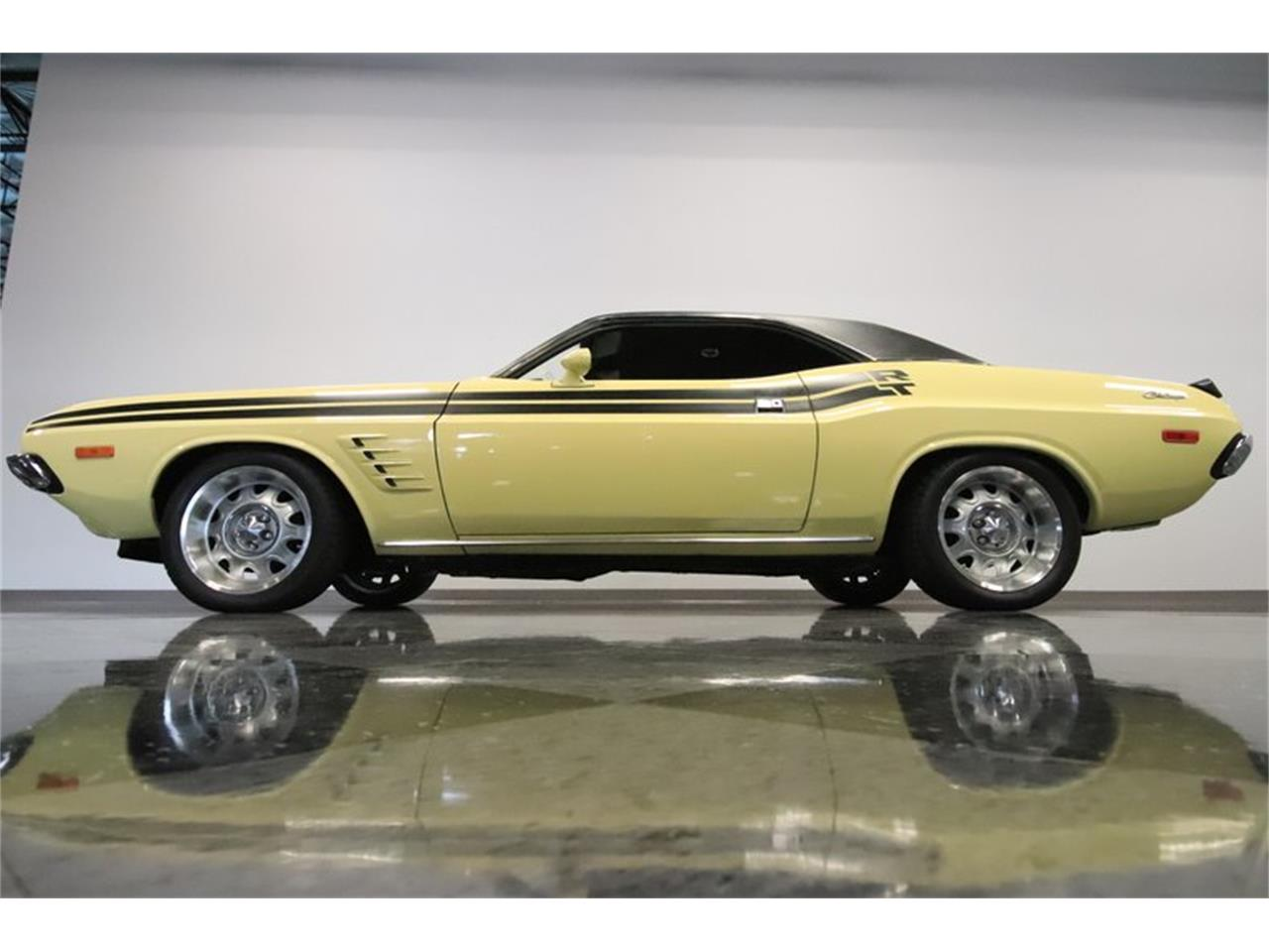 Large Picture of Classic '73 Challenger - P0IT