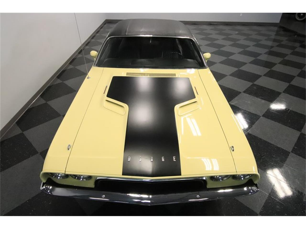 Large Picture of '73 Challenger - P0IT