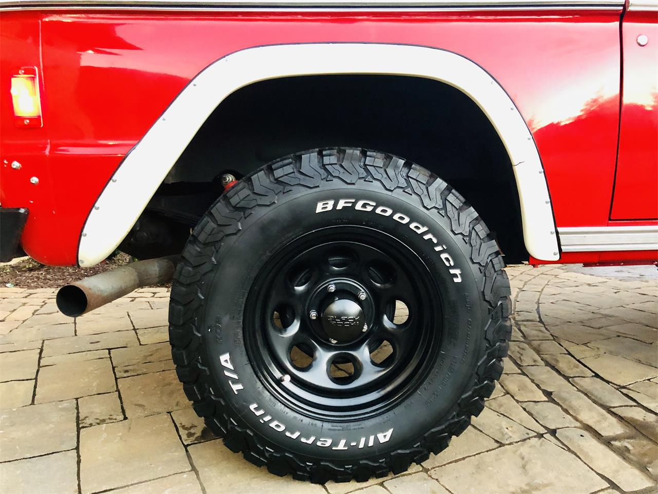 Large Picture of '77 Bronco - OVMU
