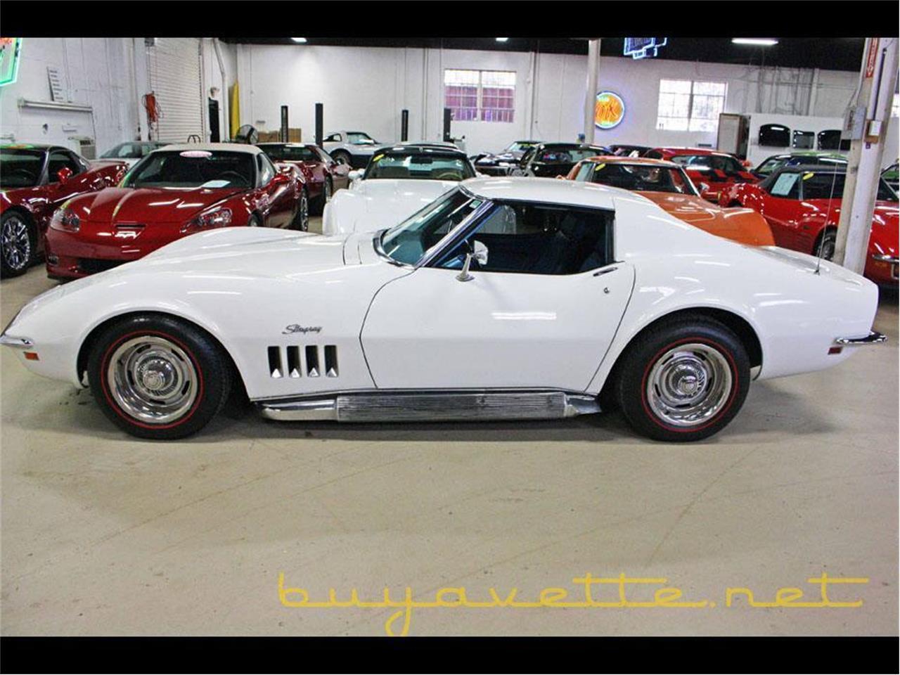 Large Picture of '69 Corvette - P0ZU
