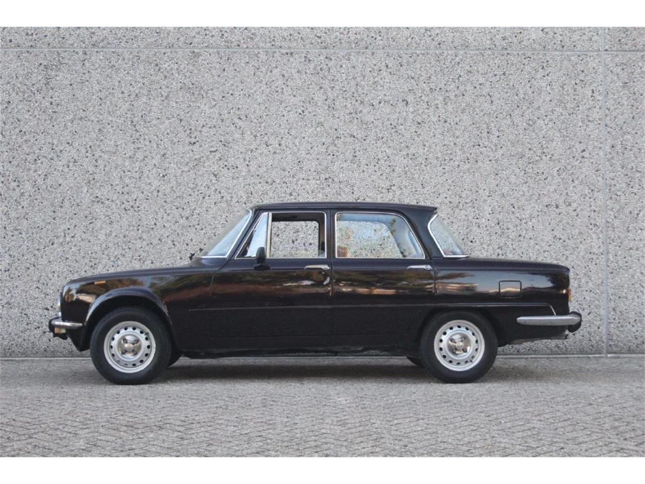 Large Picture of '76 Giulia Super Nuova Super 1300 Auction Vehicle - P13P