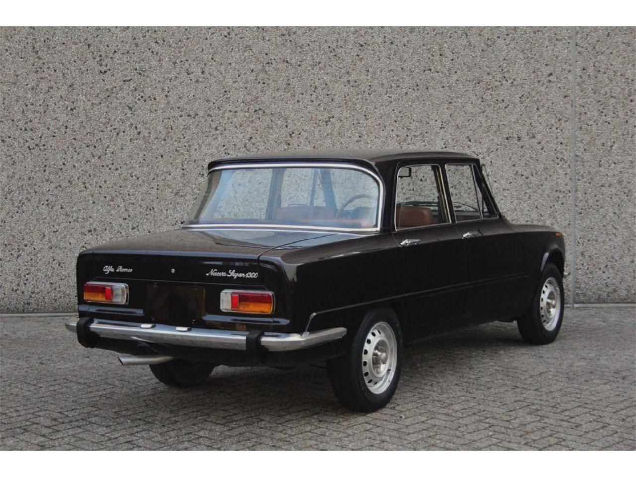 Large Picture of '76 Alfa Romeo Giulia Super Nuova Super 1300 Auction Vehicle - P13P