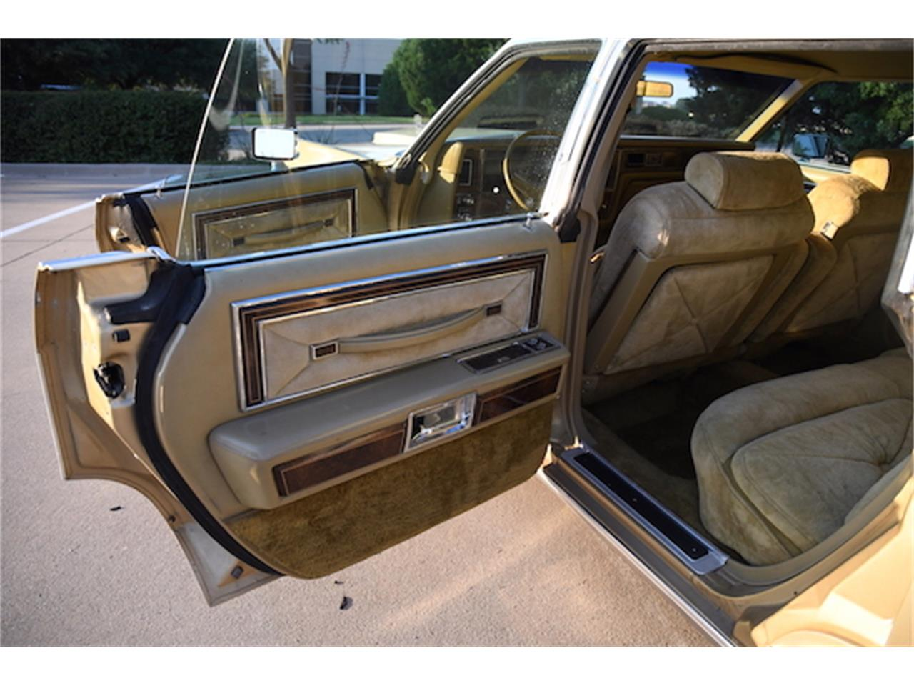 Large Picture of 1979 Continental located in Allen Texas Auction Vehicle - P157