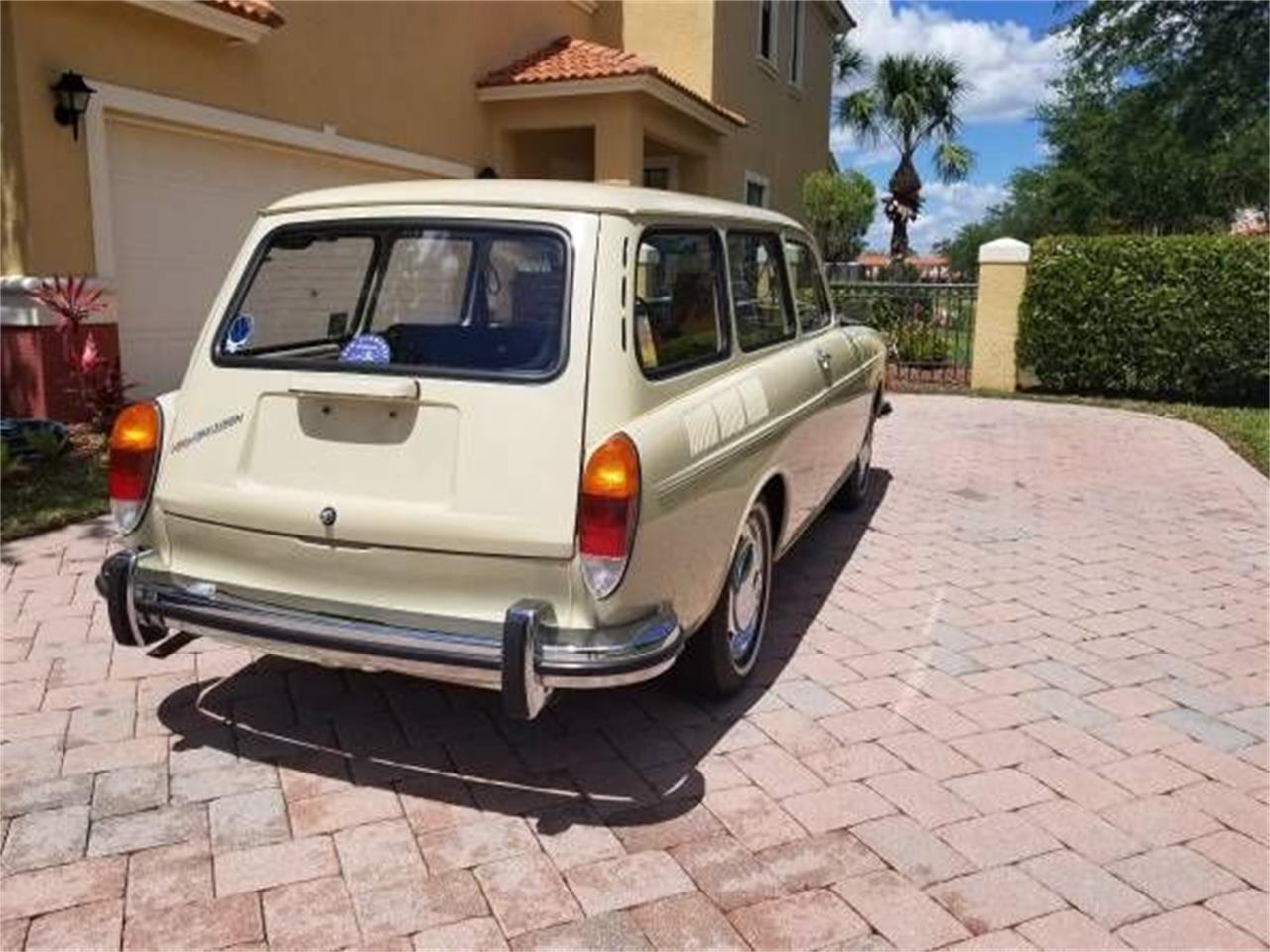 Large Picture of Classic 1971 Volkswagen Type 3 - $26,995.00 Offered by Classic Car Deals - P1BA