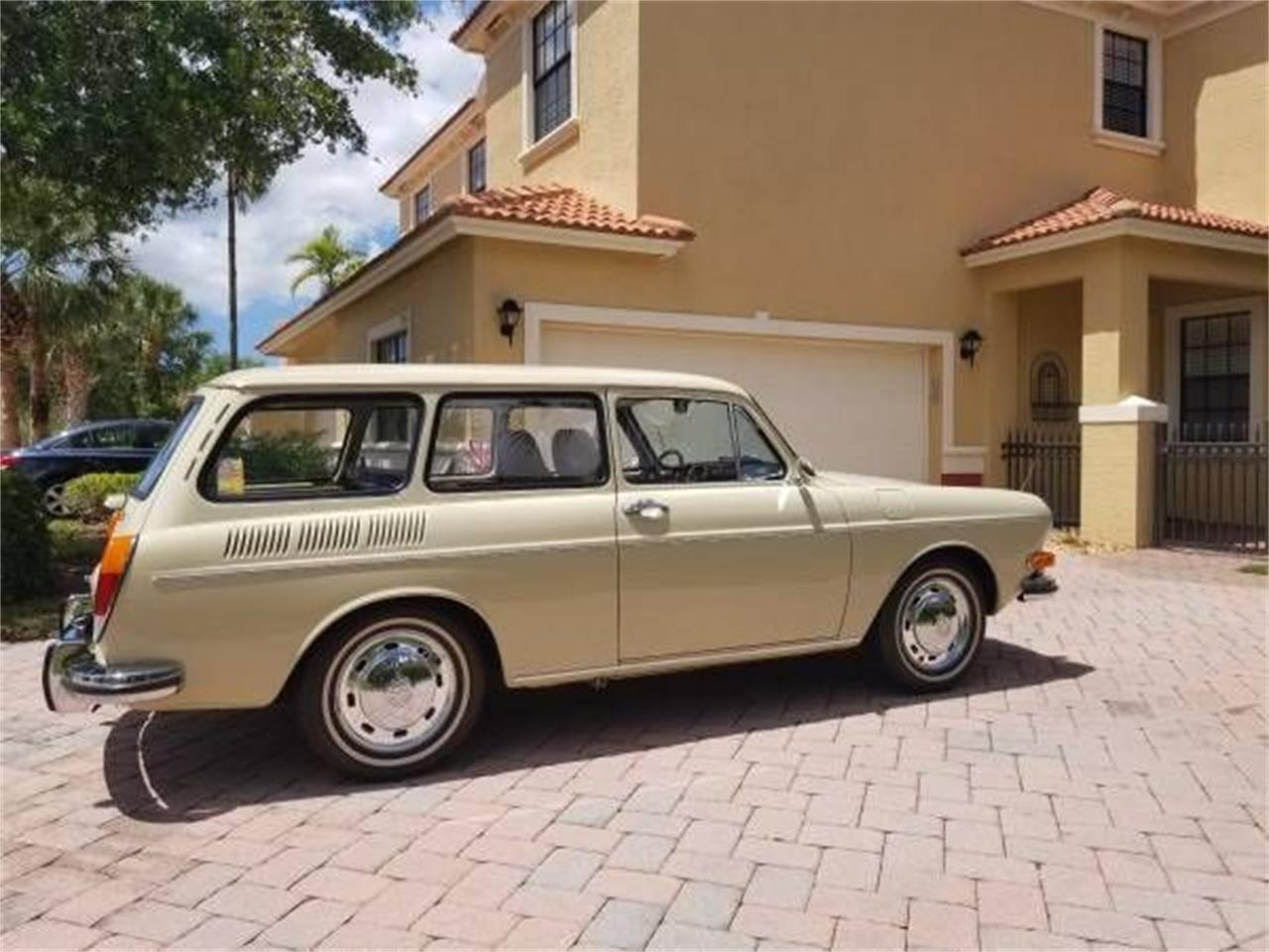 Large Picture of Classic 1971 Volkswagen Type 3 located in Cadillac Michigan - $26,995.00 Offered by Classic Car Deals - P1BA
