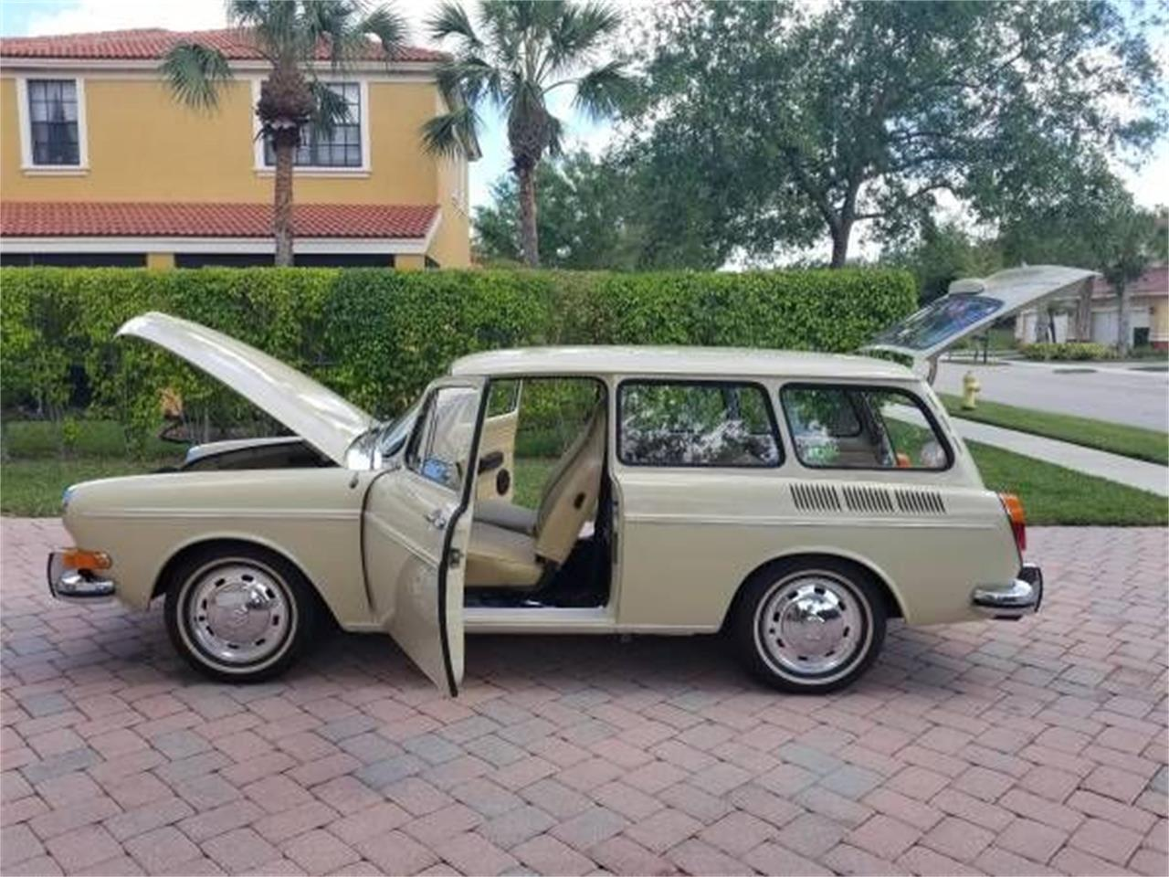 Large Picture of '71 Volkswagen Type 3 - $26,995.00 Offered by Classic Car Deals - P1BA