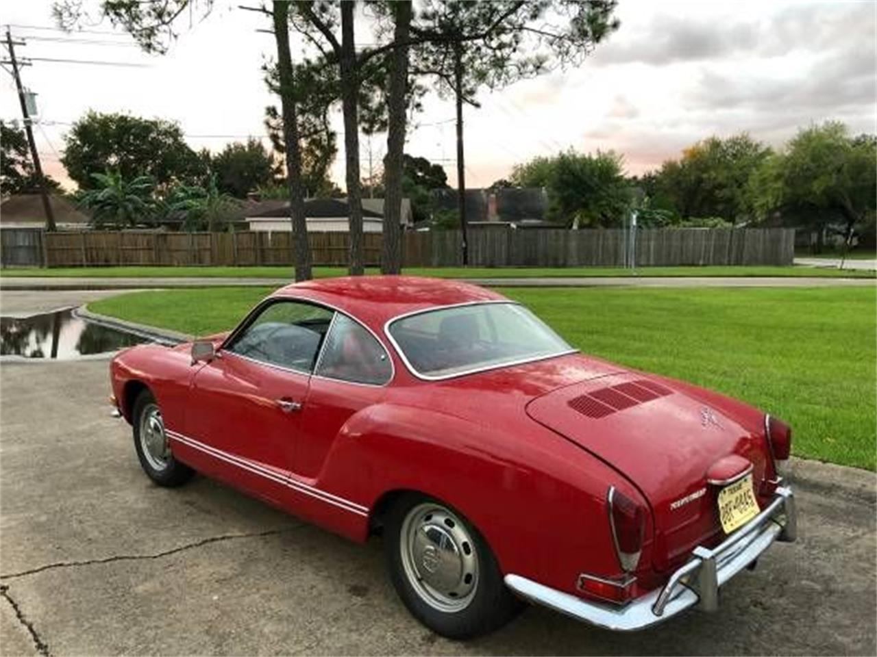 Large Picture of '71 Karmann Ghia - P1C4
