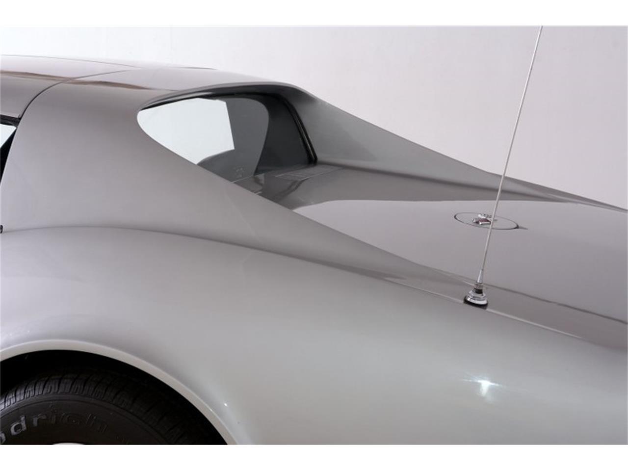 Large Picture of '70 Corvette - P1CW