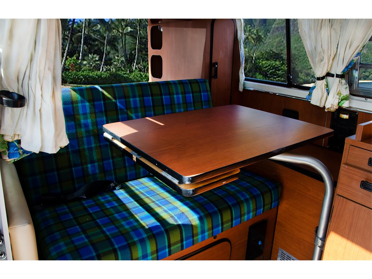 Large Picture of 1978 Volkswagen Westfalia Camper Offered by Come To The Auction - P1DU