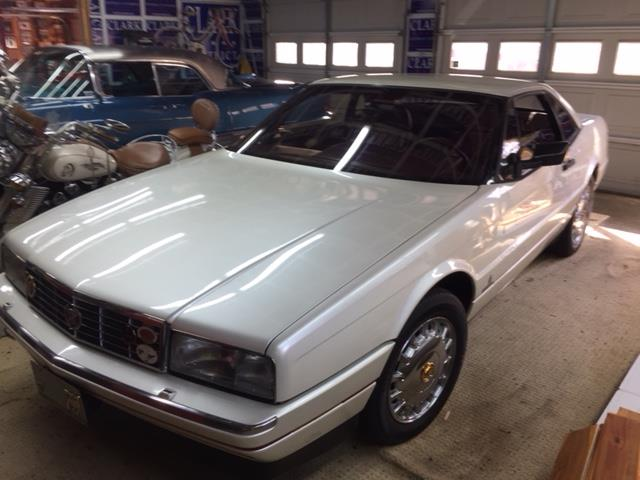 Picture of 1988 Cadillac Allante Auction Vehicle - P1E6
