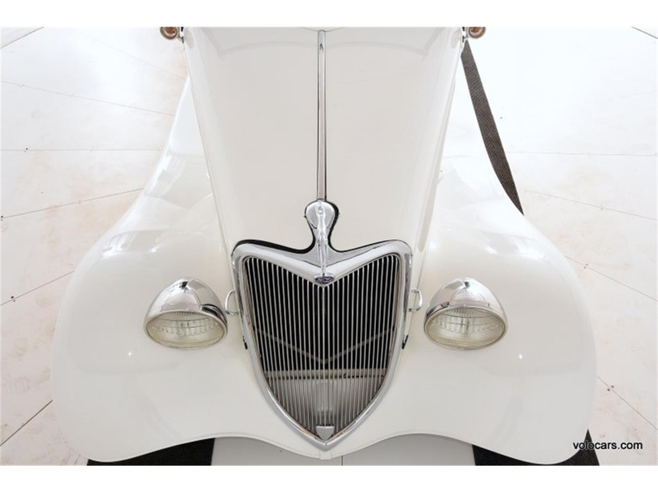 Large Picture of Classic 1934 Ford Custom - P1F4